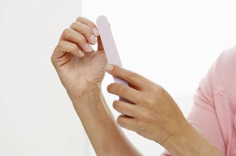 Многослойность им не «к лицу»: что делать, если слоятся ногти? выясняем причины и назначаем лечение
