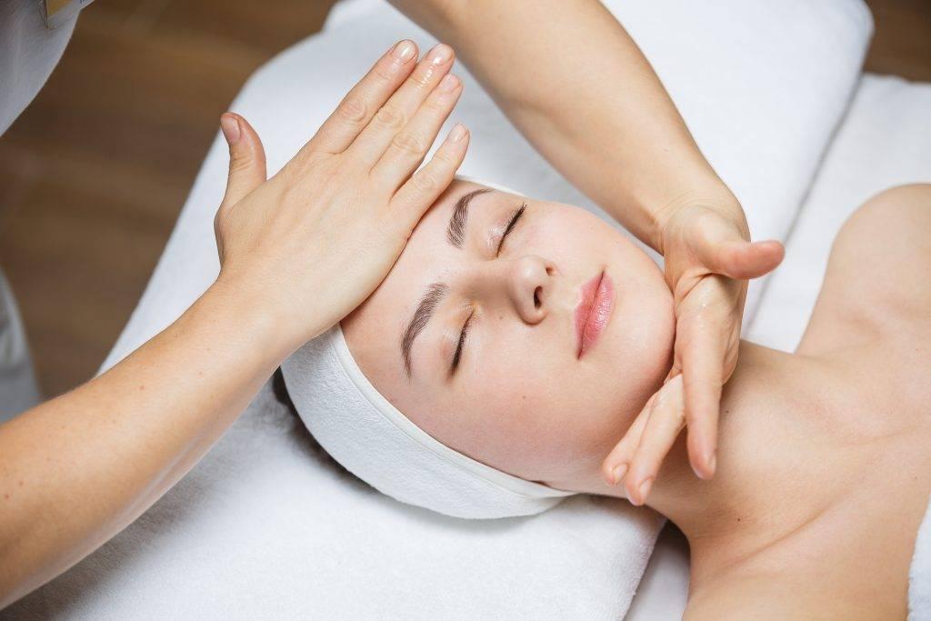 Польза и вред лицу и телу от скульптурного массажа