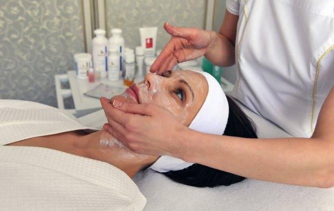 Пилинг лица: все, что надо знать перед походом к косметологу