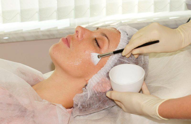 Гиалуроновая кислота для лица: мезотерапия, ревиталиция и уколы