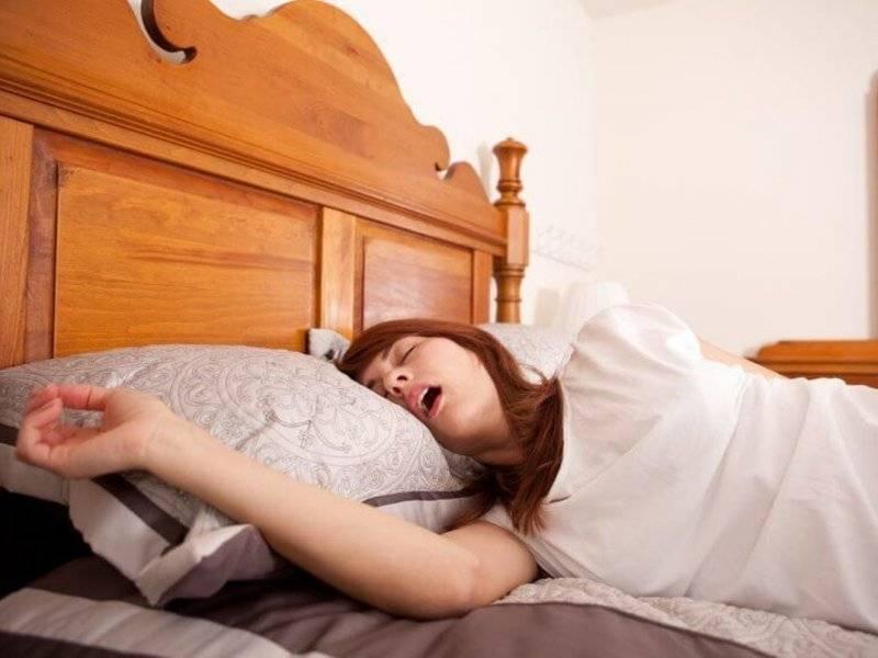 Почему текут слюни во время сна у взрослых