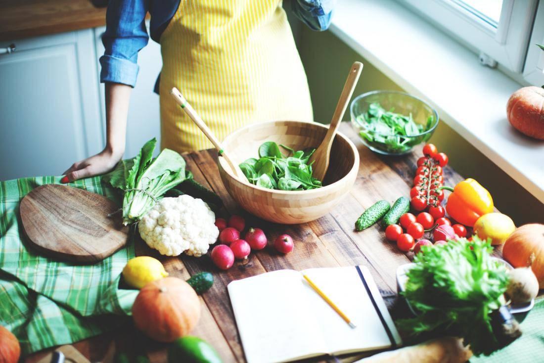Можно ли придерживаться диеты во время месячных?