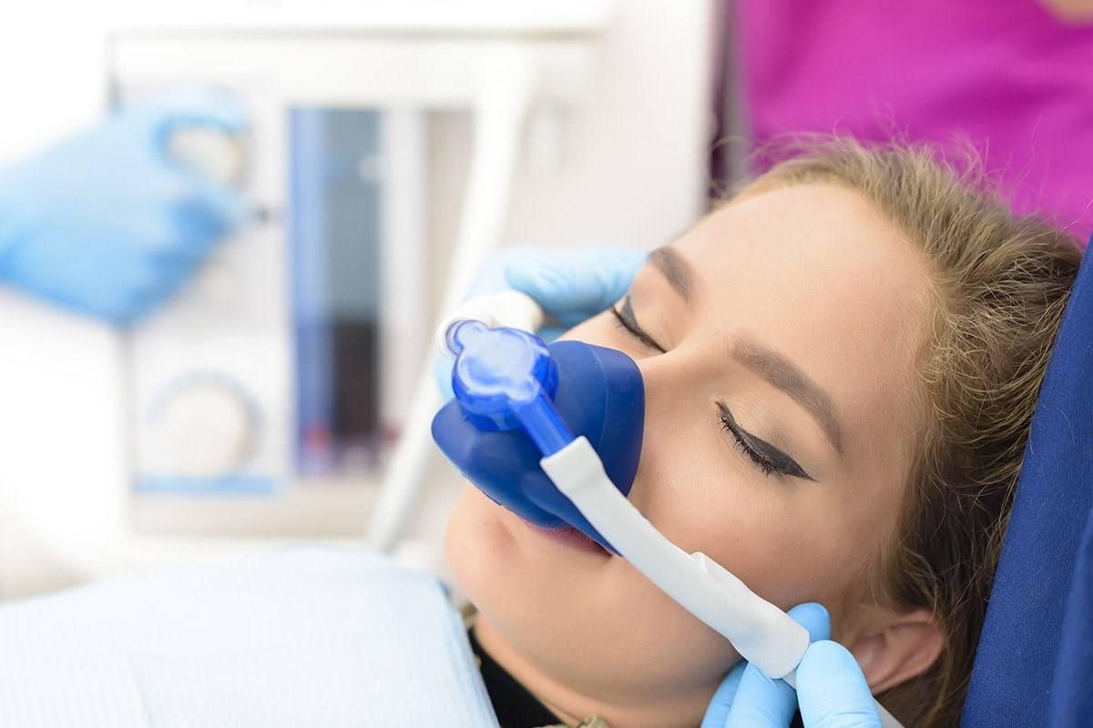 Лечение зубов под общим наркозом — насколько это безопасно и эффективно