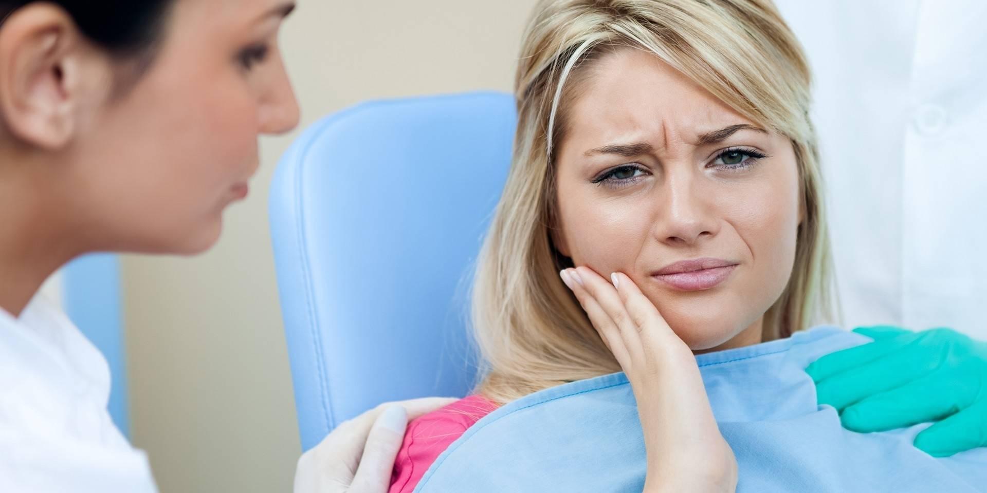 Простые способы лечения: чем быстро обезболить зубную боль в домашних условиях без таблеток?