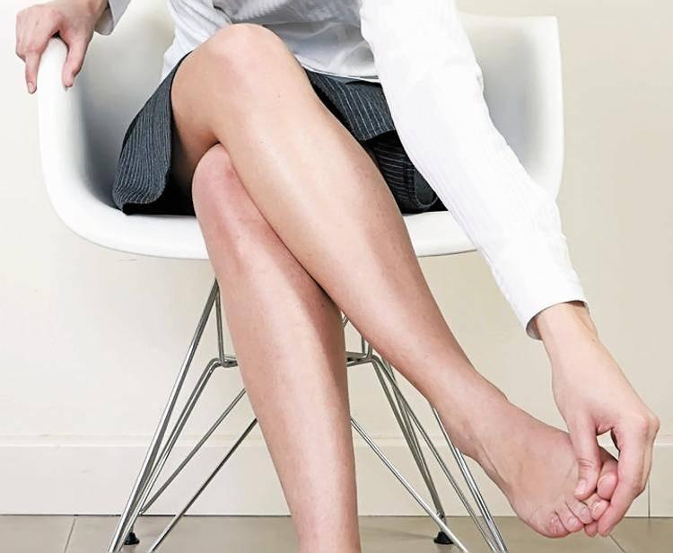 Причины болей в ногах при менструации