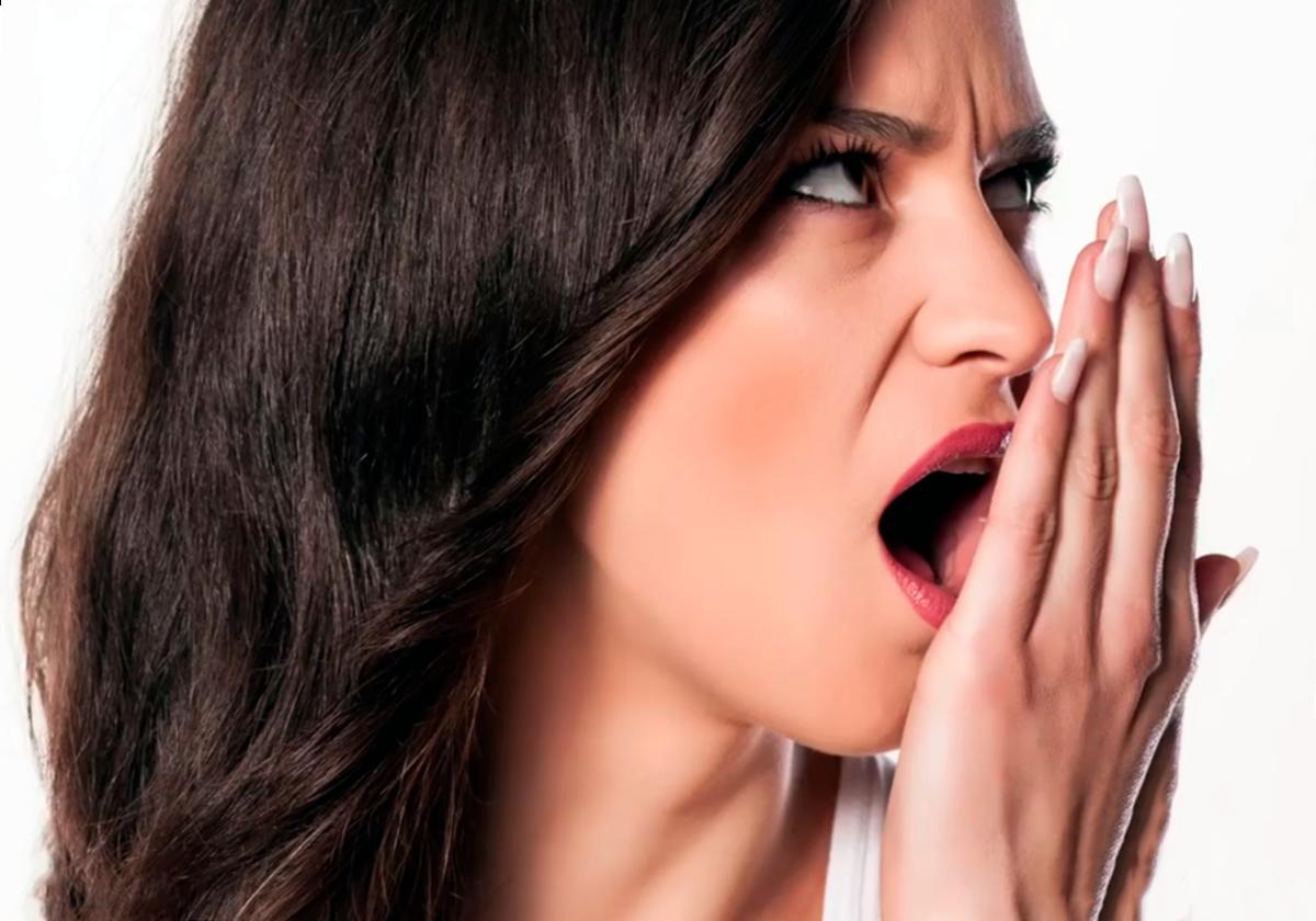Почему возникает привкус гноя во рту и как от него избавиться