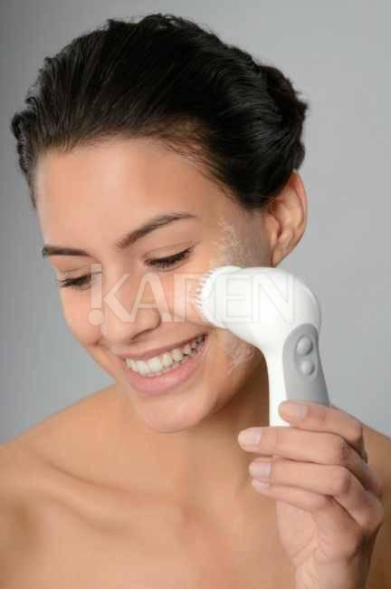 Броссаж лица: особенности и эффективность пилинга
