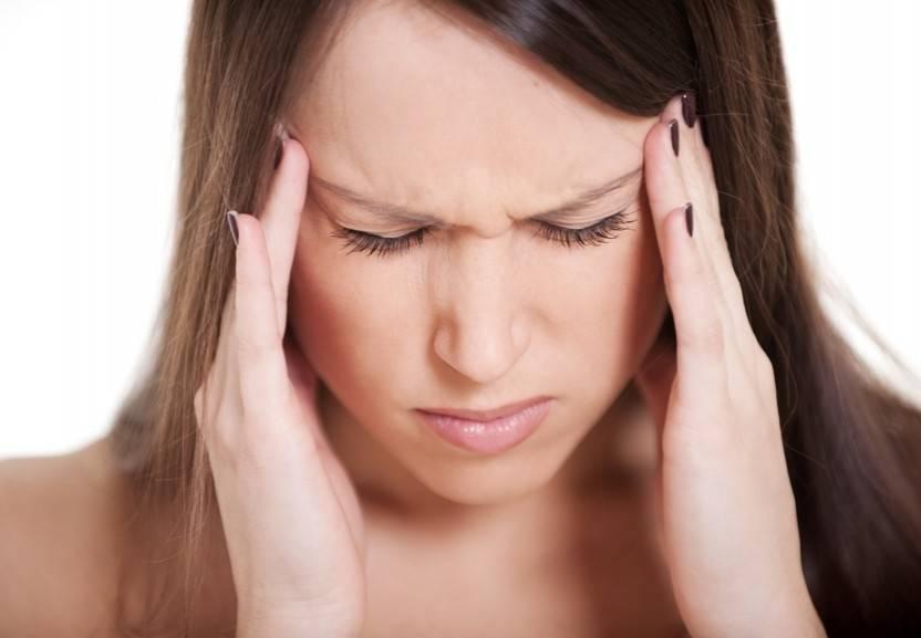 Избавляемся от головной боли во время месячных. головная боль перед месячными: причины, симптомы, лечение
