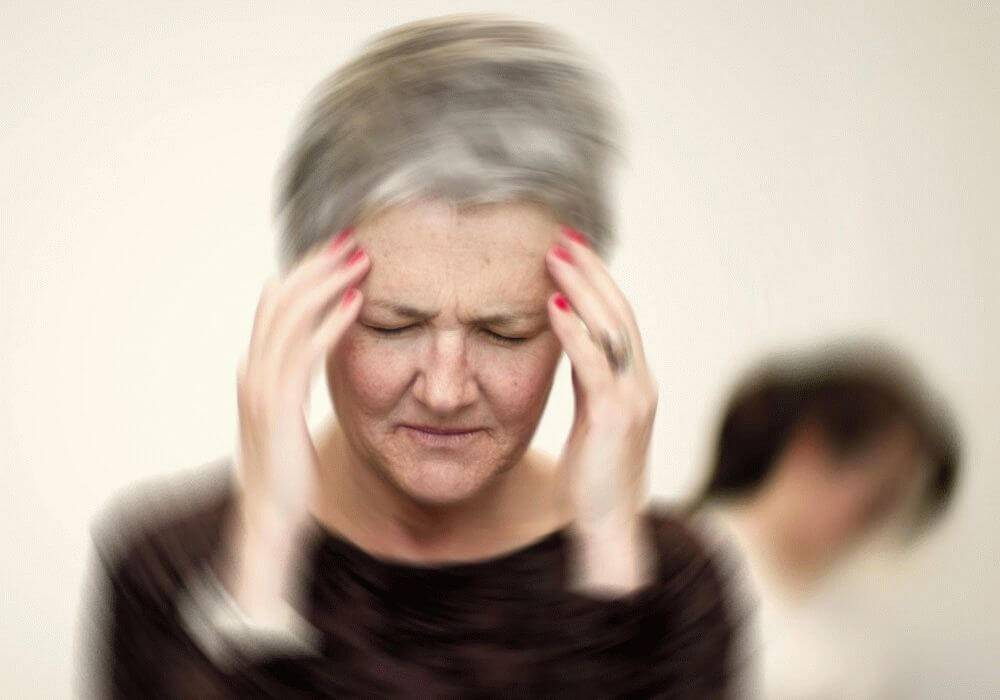 Причины болей внизу живота у женщин при климаксе