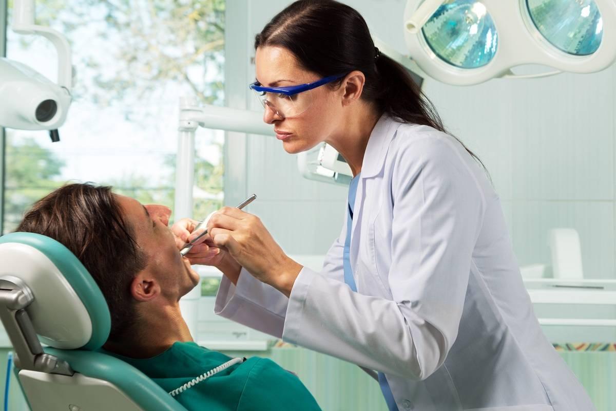 Проведение санации полости рта