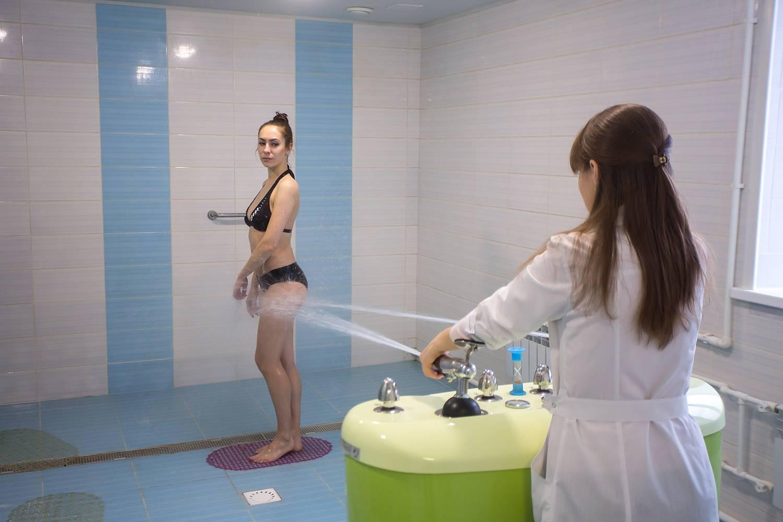 Как лечить целлюлит душем: эффект от контрастного водного массажа, душа шарко и алексеева