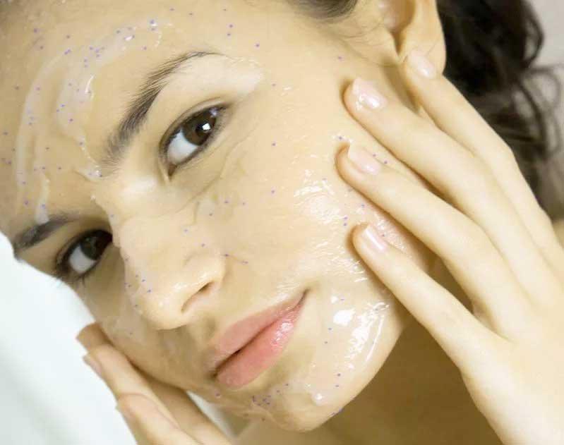 Обновляем кожу: как выбрать правильный пилинг