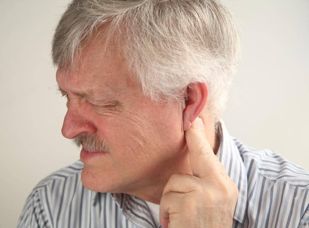 Почему болит челюсть возле уха: находим и устраняем причину
