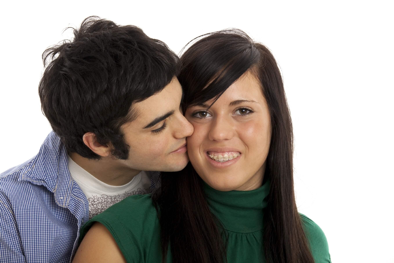Поцелуи в период ношения брекет-систем