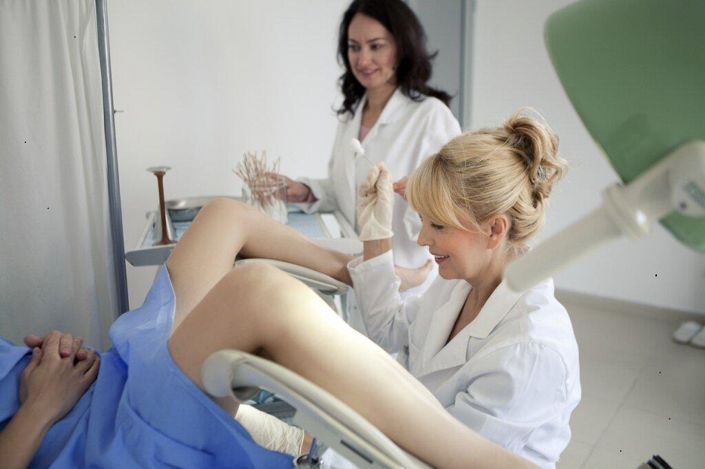 Осмотр гинеколога при беременности