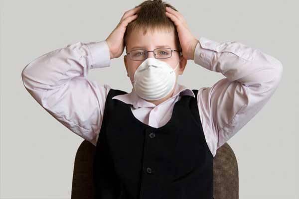 У ребенка запах изо рта: причины и лечение