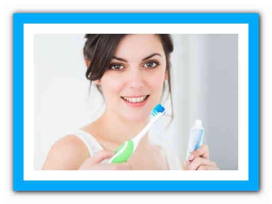 После удаления зуба болит десна: что делать
