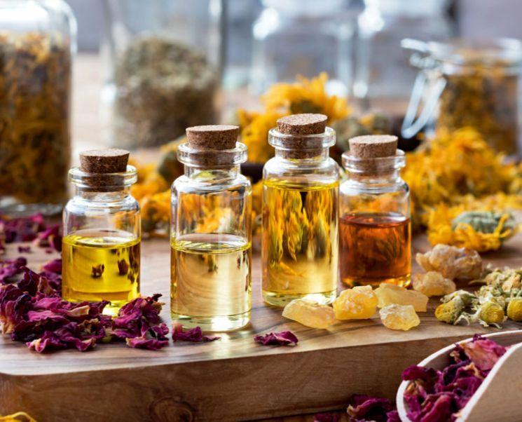 Эфирное масло розы — свойства и применение