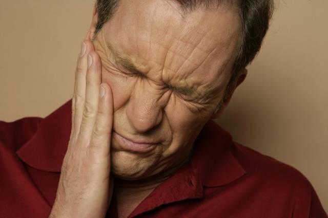 Болит горло после удаления зуба мудрости