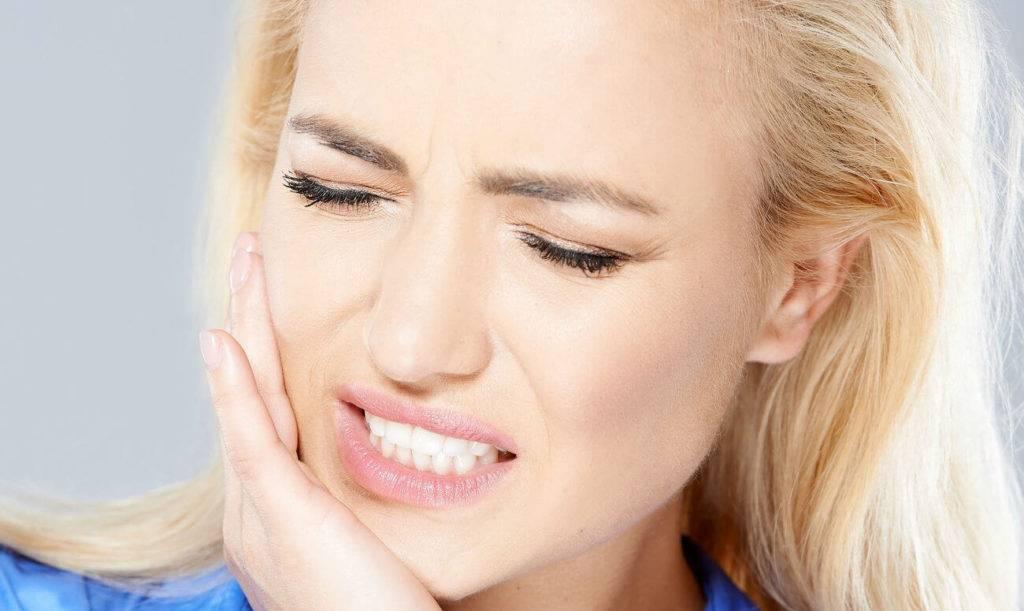Стоит ли паниковать при появлении щелчков в челюсти при жевании