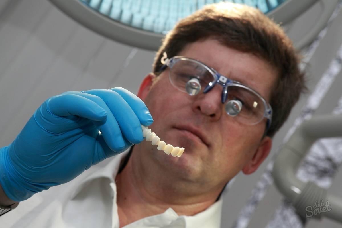 Какой врач устанавливает зубные коронки