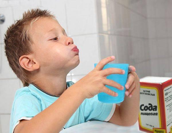 Полоскания содой и солью при воспалении десен и зубов