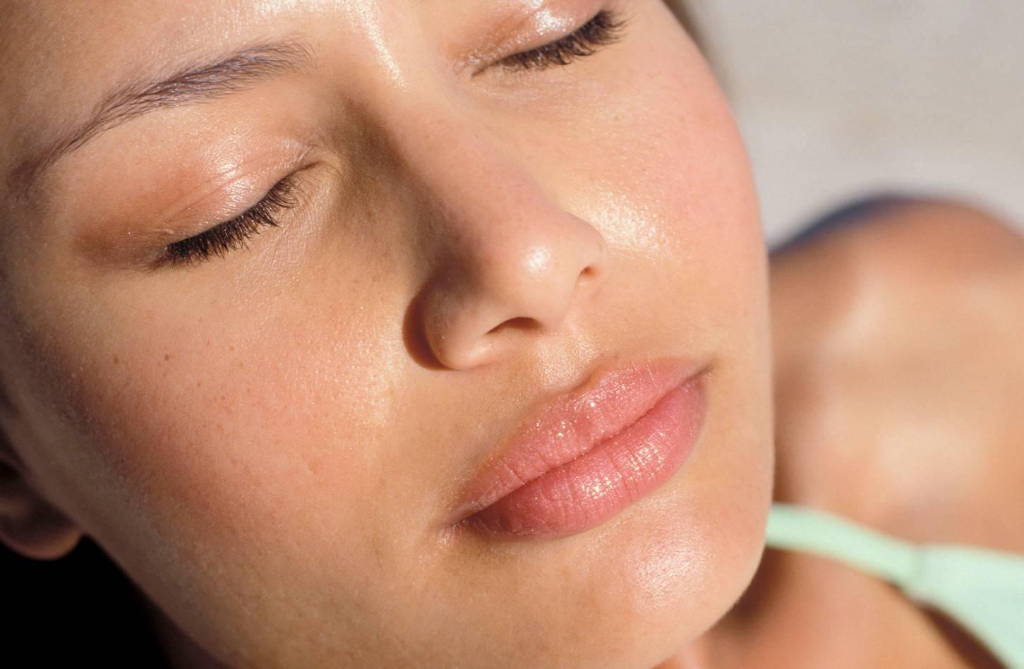 Как избавиться от жирного блеска на лице – чем протирать лоб чтобы не блестел