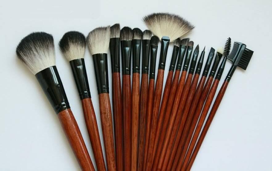 Какие кисти нужны для макияжа: виды, для чего предназначены, как выбрать и как правильно хранить?