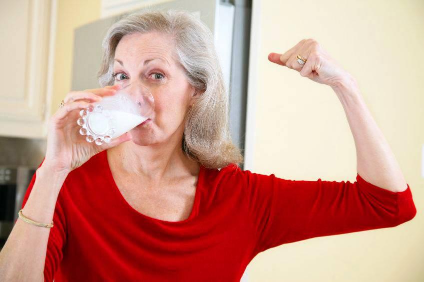 Остеопороз при климаксе у женщин: причины, симптомы, лечение, как избежать