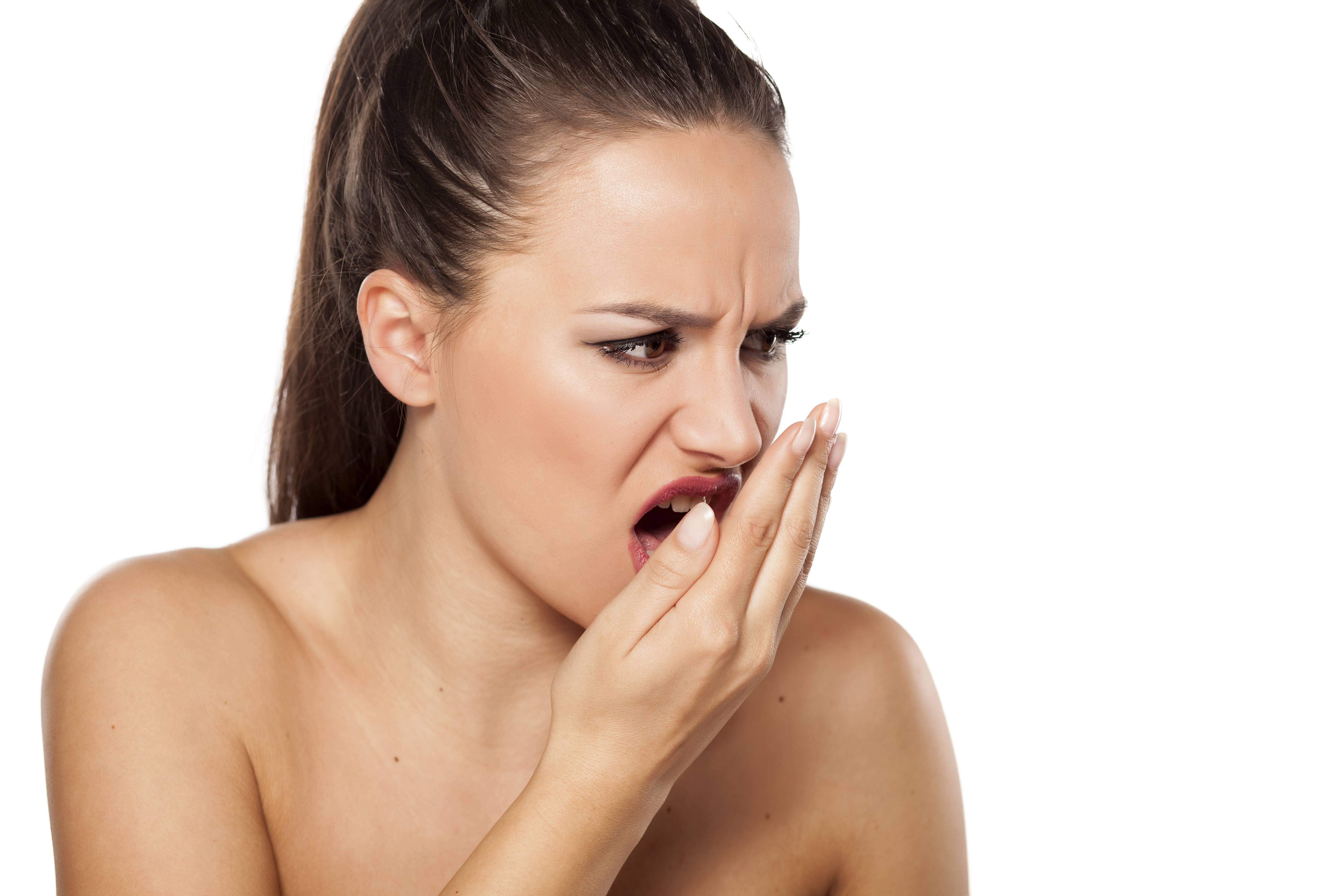 Причины и лечение запаха изо рта из-за печени