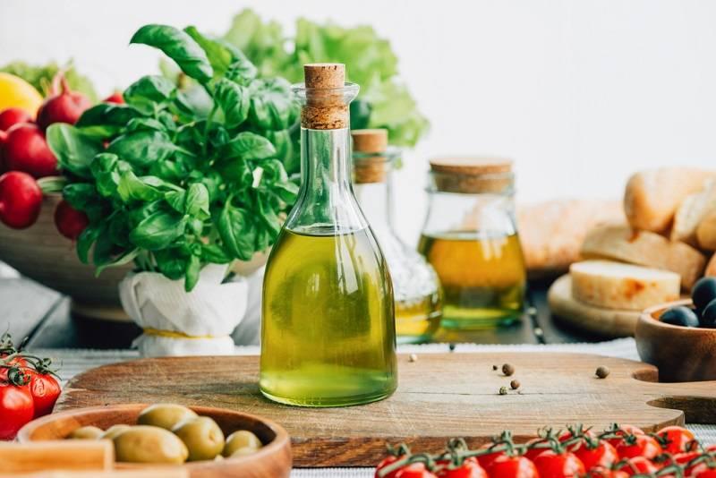 Чем полезно оливковое масло натощак для здоровья человека