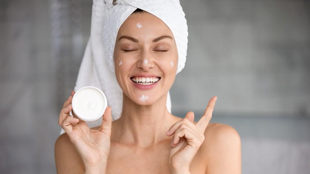 Как ухаживать за жирной обезвоженной кожей лица?