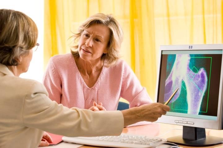 Симптомы остеопороза у женщин при менопаузе