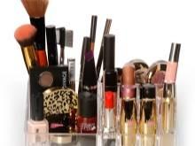 Что должно быть в базовой косметичке для натурального макияжа