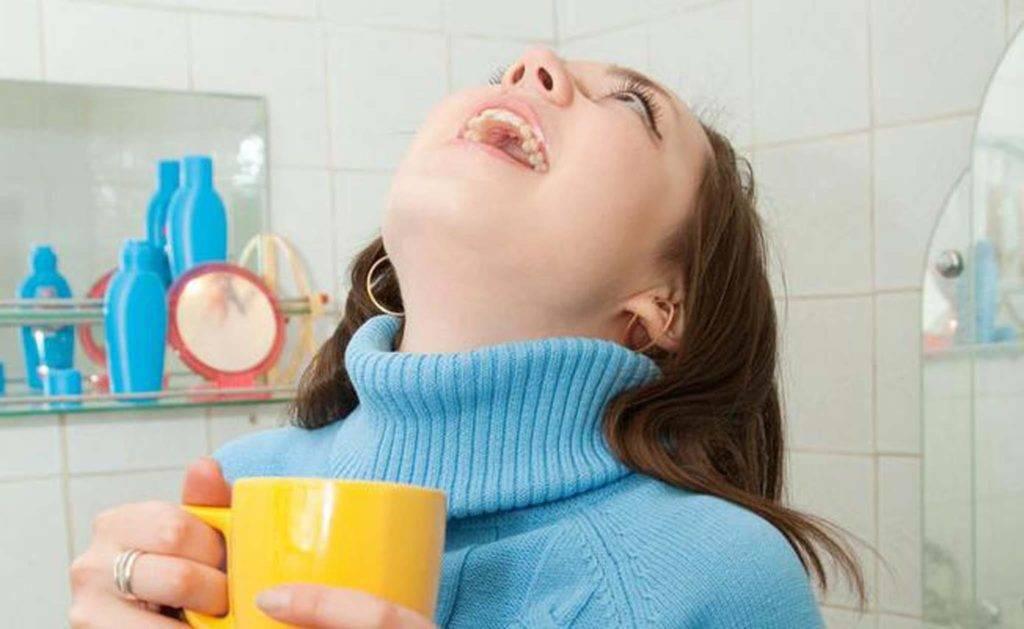 Полоскание зубов раствором соды и соли: польза и вред, что нужно знать?
