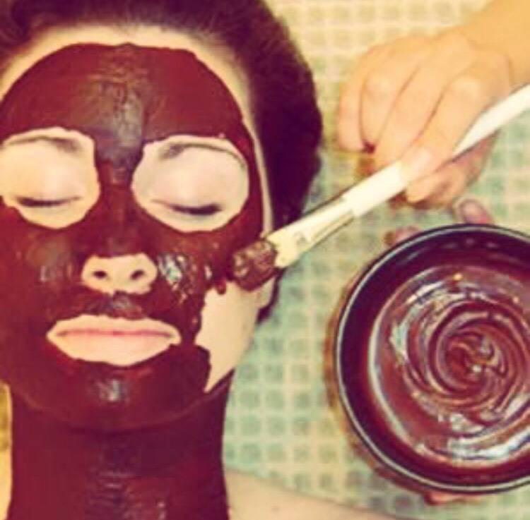 Молочные маски для кожи лица: приготовление и применение в домашних условиях