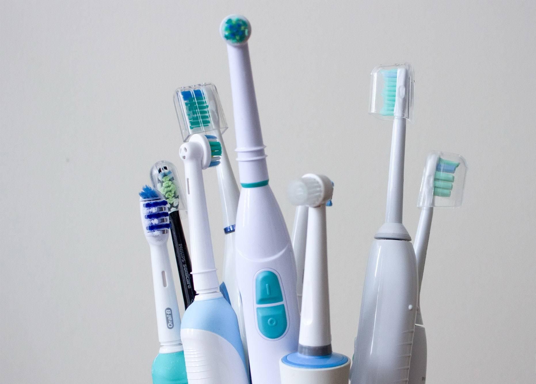 Как правильно выбрать зубную щетку для брекетов