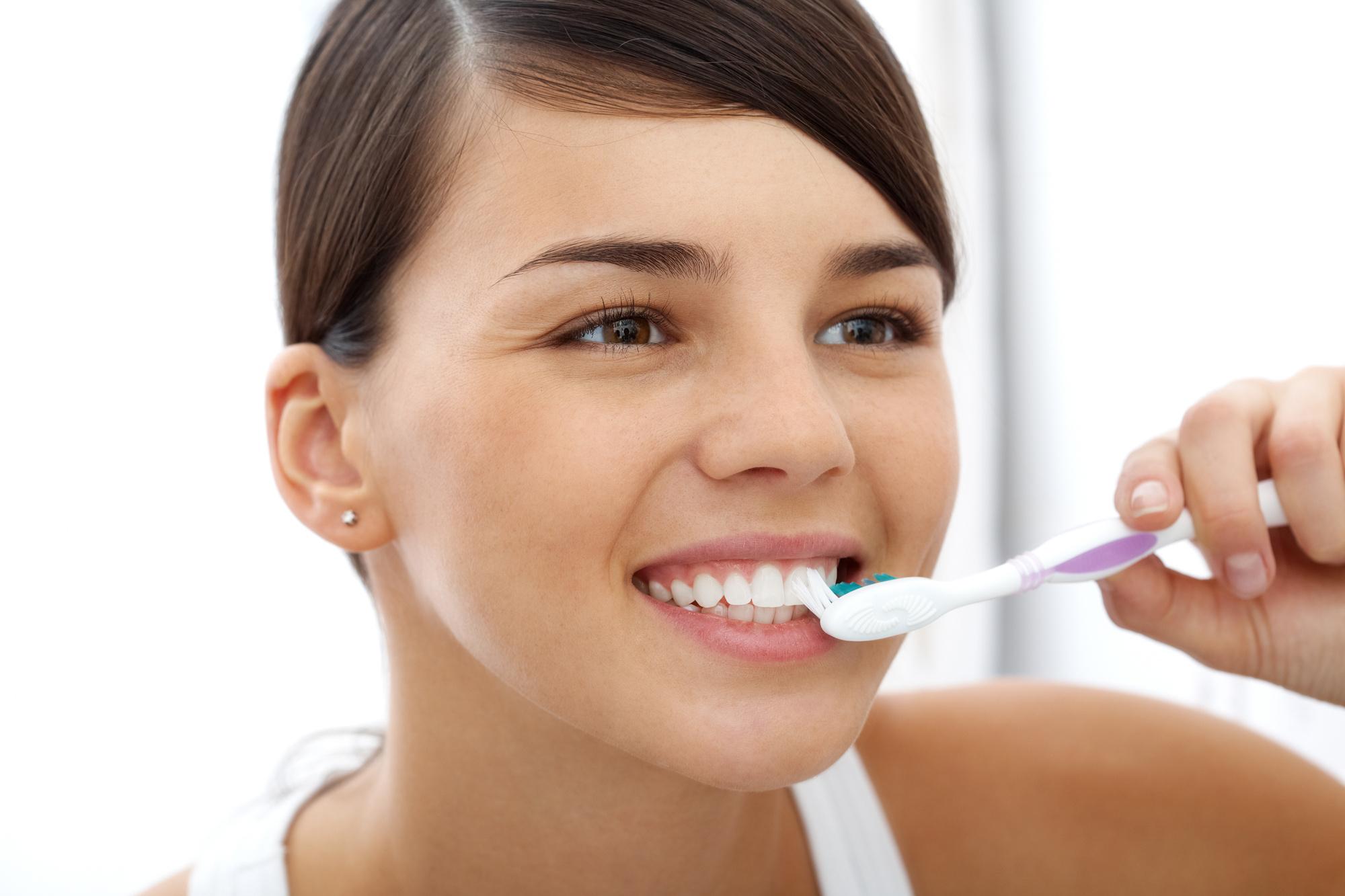 Безопасная зубная паста: список, производители, рейтинг лучших, состав пасты, отсутствие вредных компонентов, рекомендации стоматологов и отзывы покупателей
