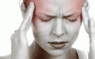 Почему голова болит во время месячных