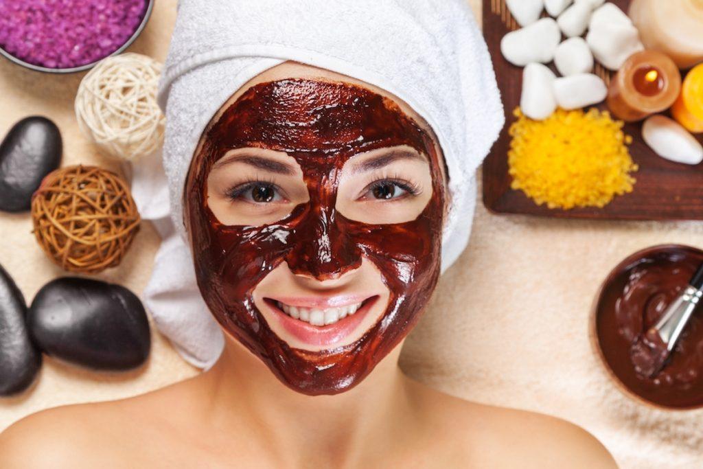 Маска из кофейной гущи для здоровой и бархатистой кожи лица
