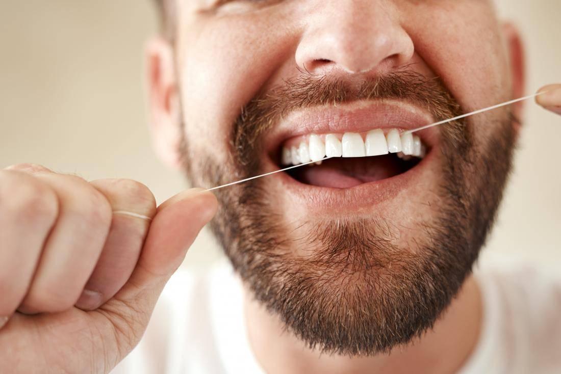 После удаления зуба болит десна и плохо пахнет со рта: что делать?