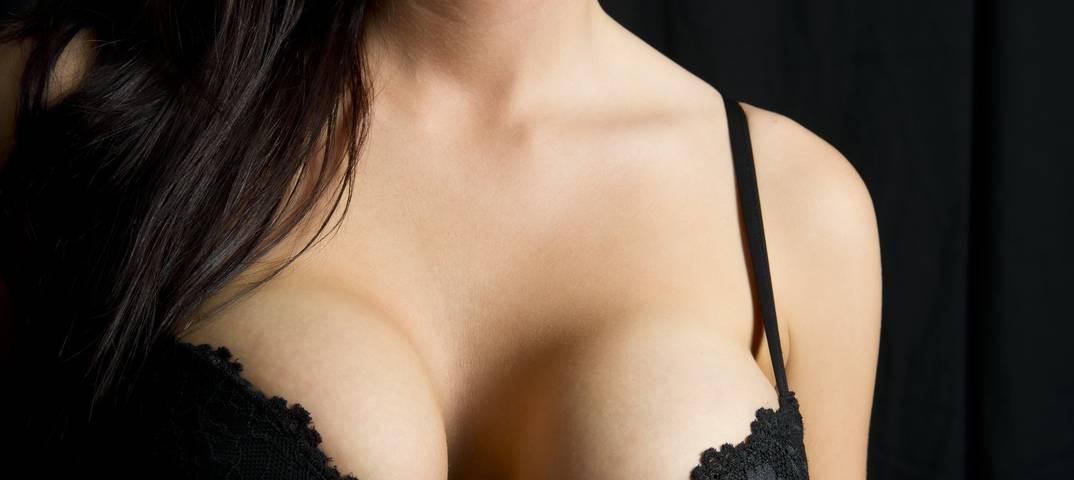 Как сохранить грудь упругой: 7 способов, которые не работают
