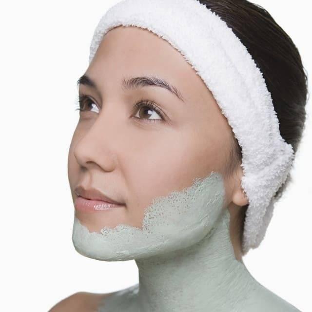 Как убрать второй подбородок с помощью аппаратной косметологии в салоне красоты