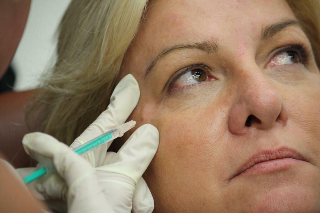 Укол красоты: что такое ботокс для лица и каковы особенности процедуры?
