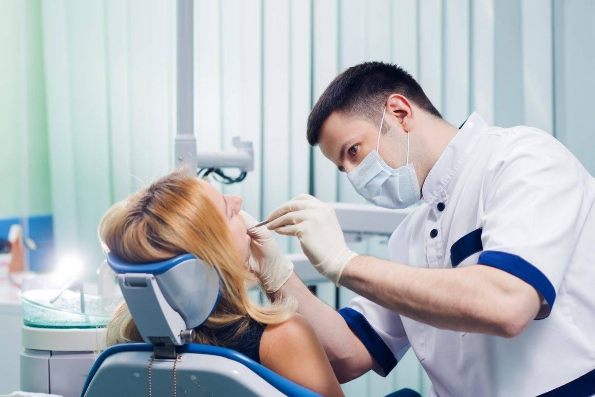 В чем разница между зубным врачом и стоматологом-терапевтом, чем занимаются эти специалисты?