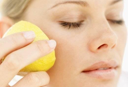 Как справиться с пигментными пятнами с помощью лимона