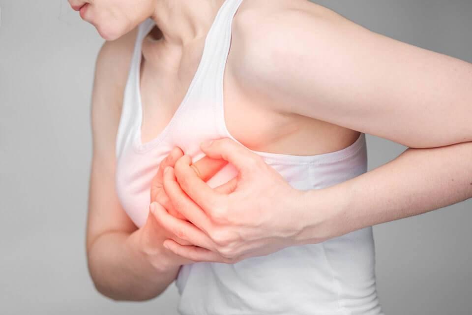 Набухшие молочные железы (грудь)