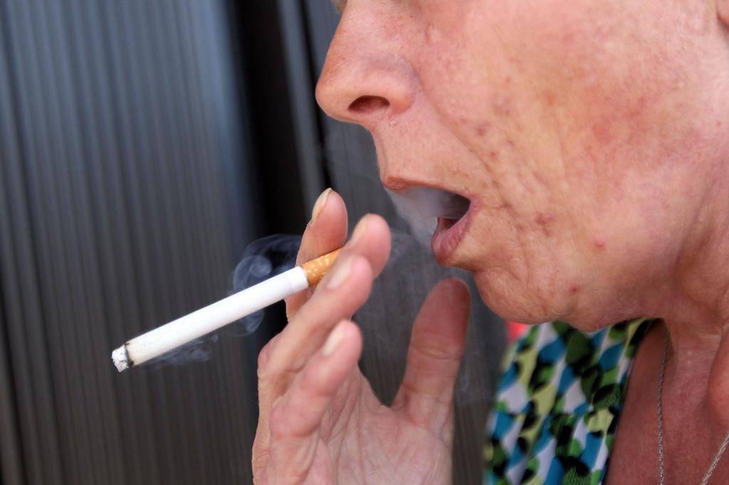 Почему появляется налет курильщика и как с ним бороться