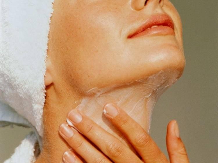 Как уменьшить или вообще убрать морщины на шее в домашних условиях