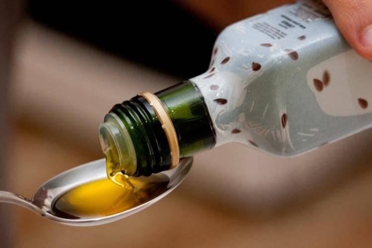 Сосание подсолнечного масла